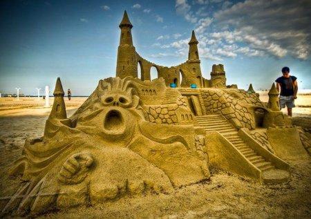 Удивительные замки из песка