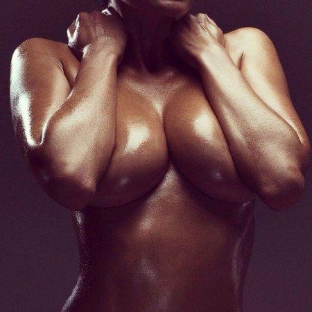 Ценителям женской груди посвящается