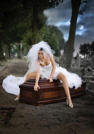 невеста на гробу