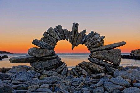 Сердечные инсталяции в камнях Дэвида Аллена
