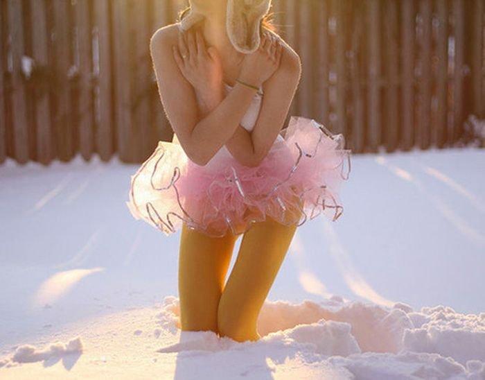 foto-golaya-devushka-zima