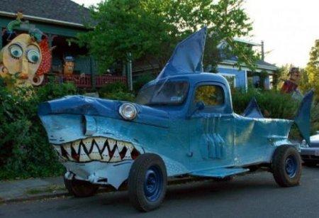 машина-акула