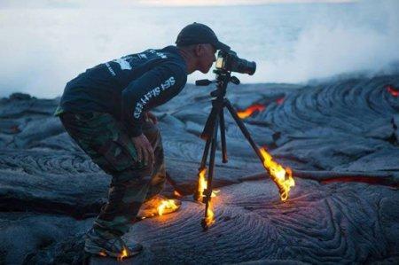 горящий фотограф