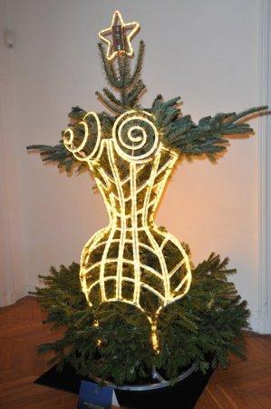 елка в корсете
