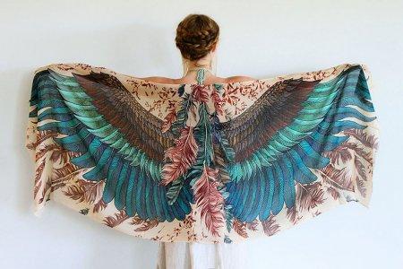 шаль с перьями