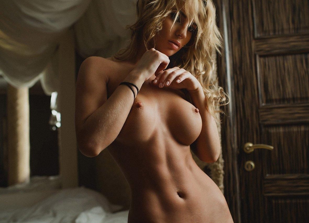blondinki-foto-krasivie-erotika