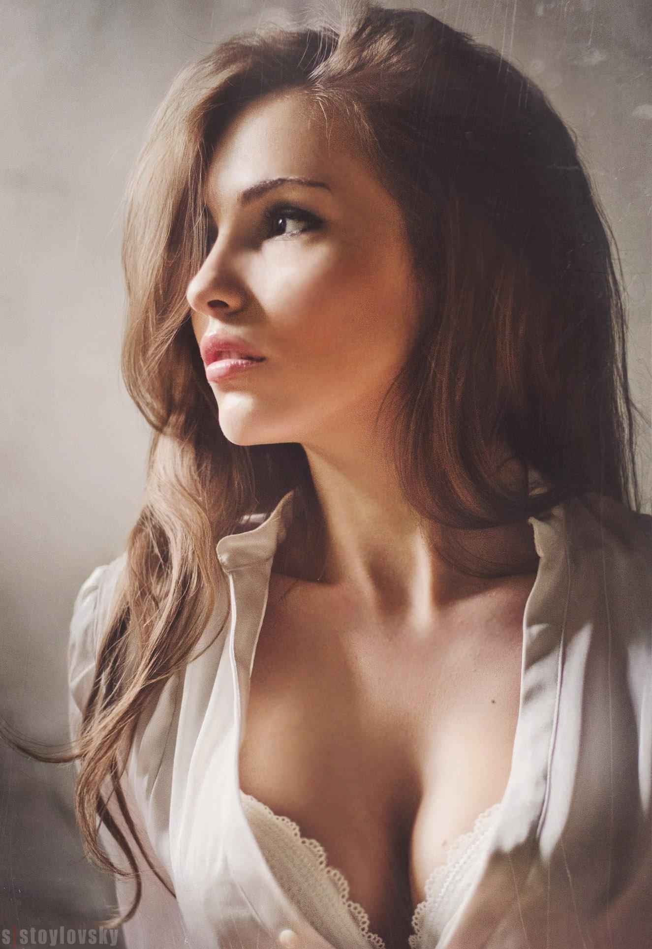 Фото девушка волосы и губы