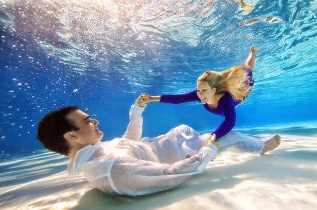 танцы под водой