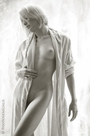 дама в халате