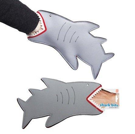 прихватка акула