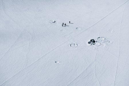 альпинисты в поле