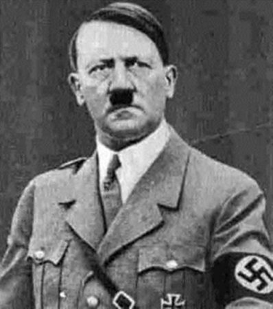 Гитлер носил усы, потому что думал, что благодаря им его нос выглядит меньше