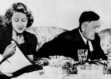 Гитлер женился на Еве Браун (Eva Braun) и покончил с собой на следующий день