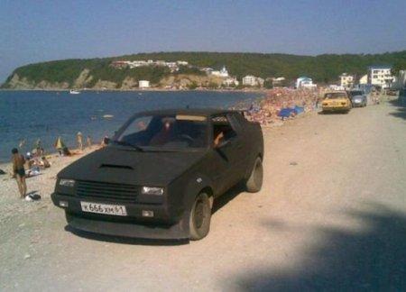 хромированный автомобиль