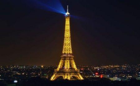 Эйфелеа башня