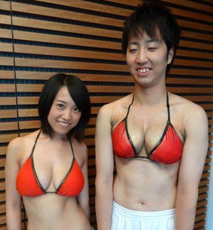 нарисованная грудь