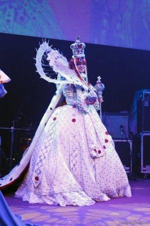 дама с короной