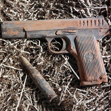 Шоколадный набор «Пистолет и пуля»