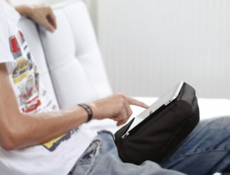 Подставка-подушка для планшета