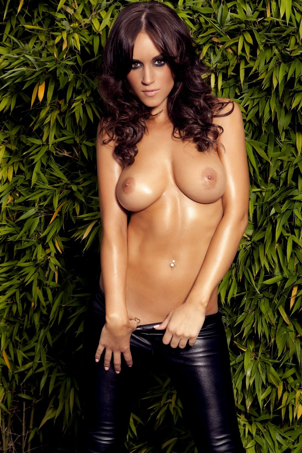 Rosie jones fully naked