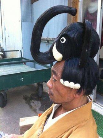 слон на голове