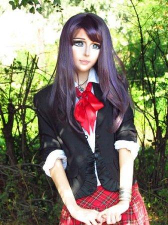печальная кукла