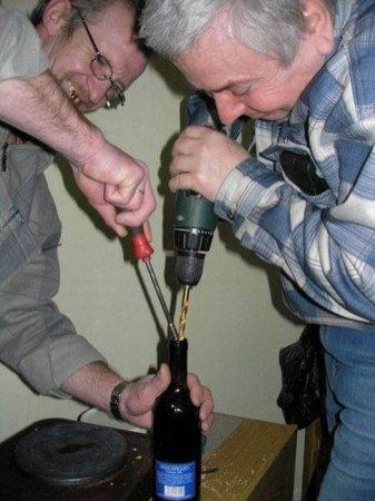открываем бутылку