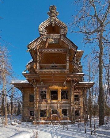 Россия. Заброшенные деревянные дома
