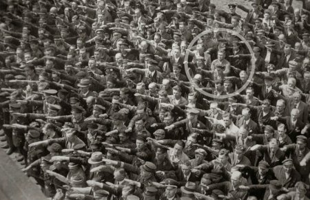 против Гитлера