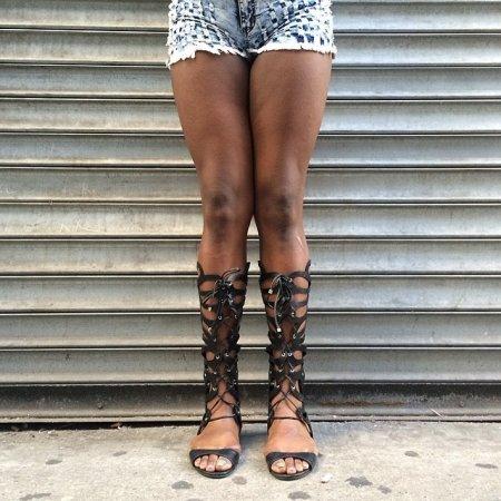 еще одни ноги амазонки