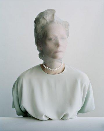 белый портрет