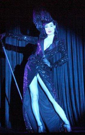 Необыкновенное шоу королевы бурлеска
