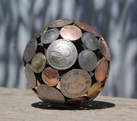 Сфера из монет