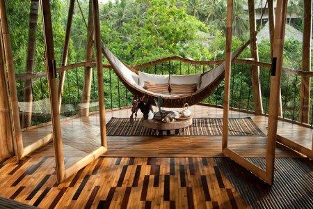 лежак из бамбука