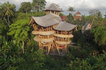 трехэтажный бамбуковый дом