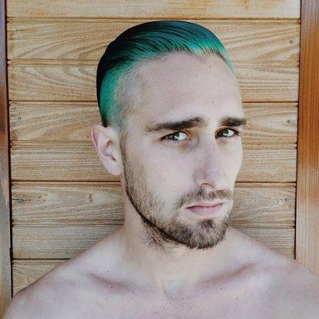 ультрамариновые волосы