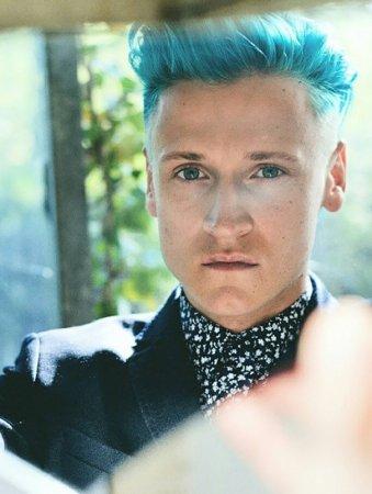 мужские синие волосы