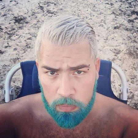 голубая борода