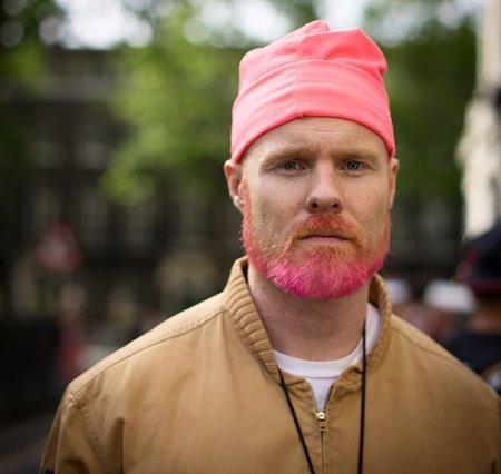 розовая борода