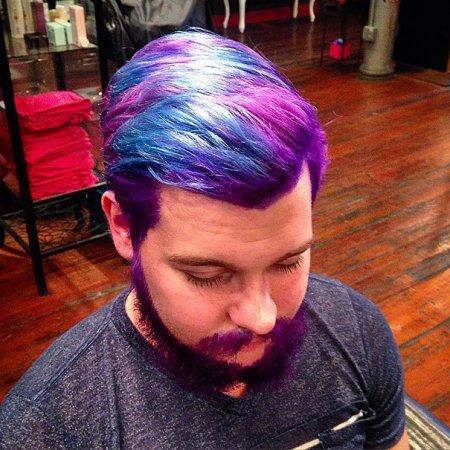 сиренево=синие волосы
