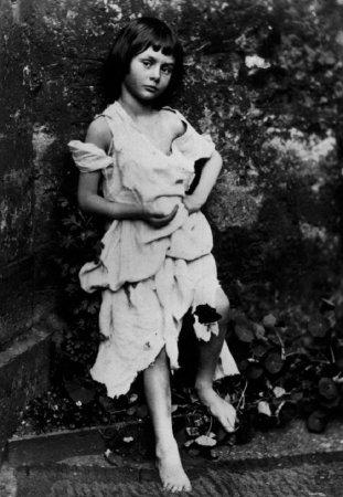 Алиса Лидделл — прототип образа сказочной Алисы из книги Льюиса Кэрролла.