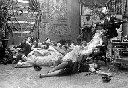 Опиумная вечеринка, 1918 год.