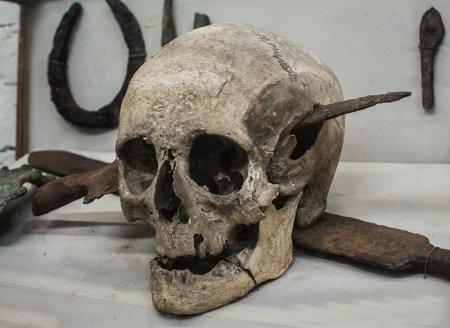 Череп, принадлежавший римскому солдату, погибшему во время Галльской войны, 52 год до н.э.