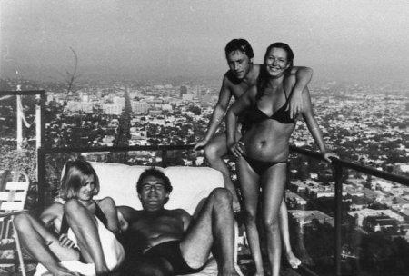 Джессика Лэнг, Милош Форман, Владимир Высоцкий и Марина Влади. США, Лос–Анджелес, август 1976 года