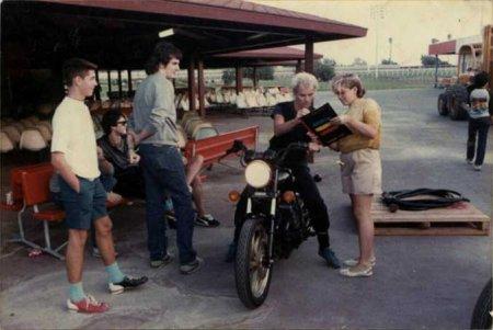 Гвен Стефани берет автограф у Стинга, США, 1983