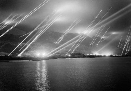 Прожекторы на скале в Гибралтаре, 1942