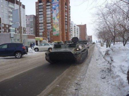 танк в городе
