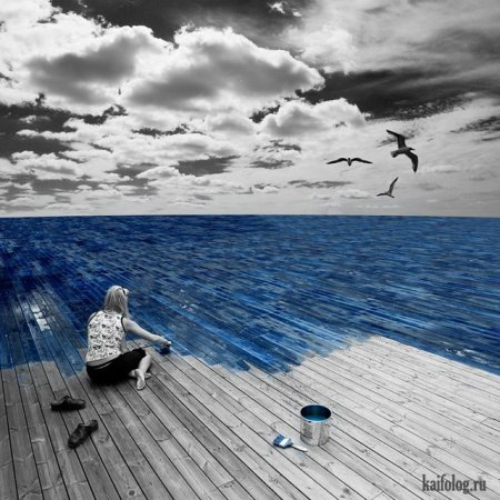 рисует море