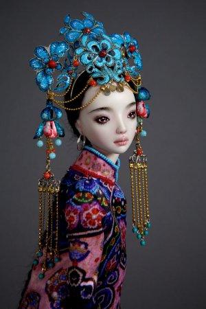 удивительная кукла