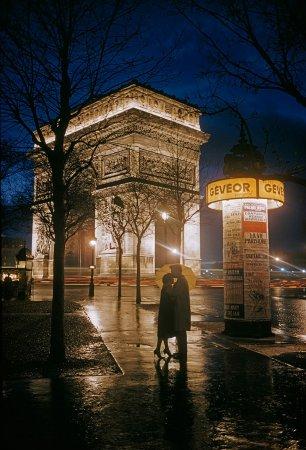 Объятия влюбленных, Триумфальная арка, Париж, 1960 год
